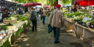Take Your Grocery Shopping Outside at Farmers Markets